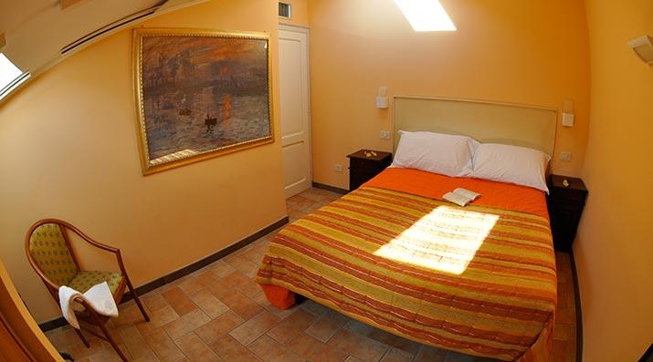 11-CAMERA-Assisi-Living-Club